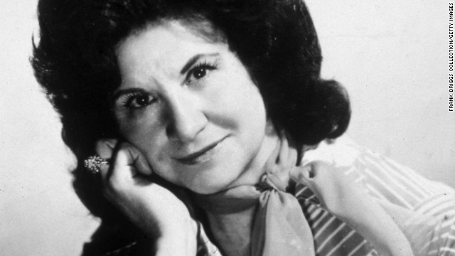 <a href='http://marquee.blogs.cnn.com/2012/07/16/country-mourns-loss-of-queen-kitty-wells/'>Country legend Kitty Wells</a> died on July 16, due to complications from a stroke. She was 92.