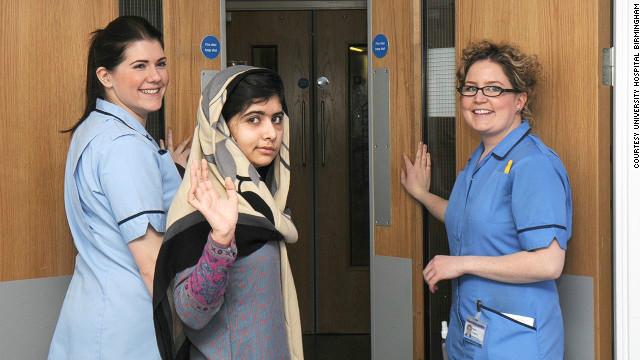 Malala, la joven activista pakistaní atacada por el Talibán sale del hospital