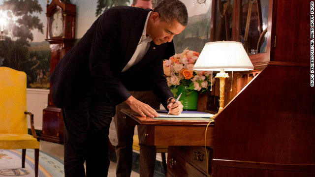 Obama signs scaled-back Sandy aid bill