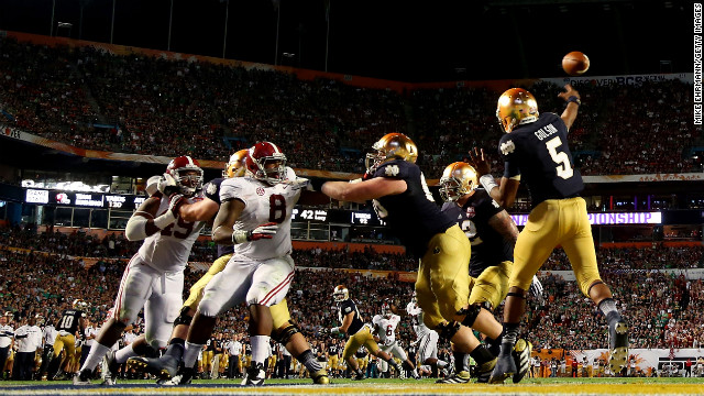 Notre Dame quarterback Everett Golson throws a pass against Alabama.