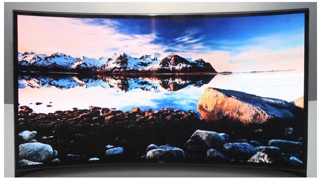 Samsung presenta el primer televisor con pantalla curva en la CES