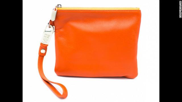 Un bolso para recargar tu móvil