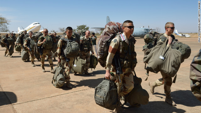 French troops from the Licorne operation based in Abidjan, Ivory Coast, arrive at the 101st military airbase near Bamako on Wednesday to reinforce the Serval operations, before their deployment in the north of Mali.