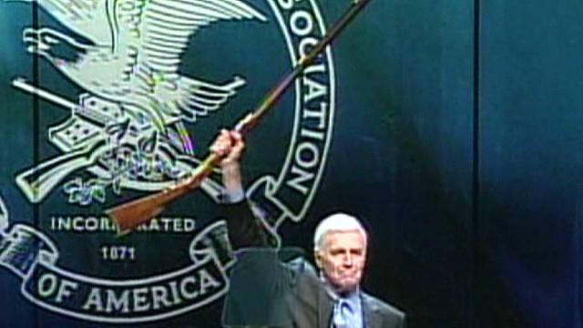 La NRA pide no culpar a dueños de armas por actos de criminales