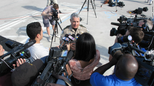 Reporters from as far away as France, England and China flocked to the kickoff of the 2013 Python Challenge at the University of Florida Fort Lauderdale campus in Davie, Florida. Members of the media seemed to outnumber hunters 2 to 1. Here, FWC officer Jorge Pinto is asked about the challenge.