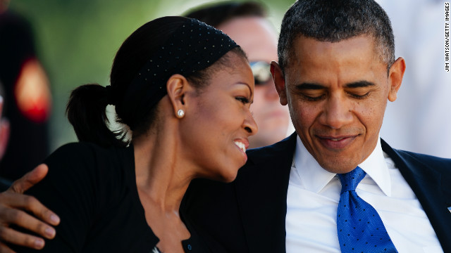 Obamas dine out for first lady's birthday