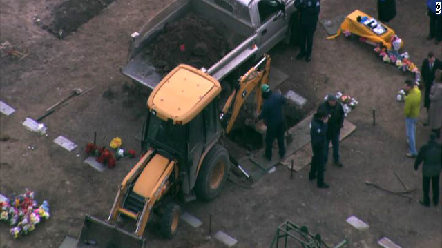 Exhumation of Illinois lottery winner begins