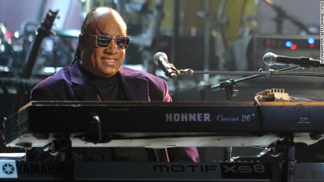 Stevie Wonder cancela actos en Florida tras exoneración de Zimmerman