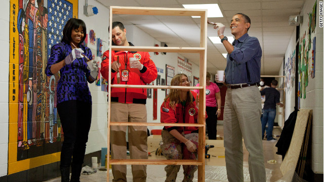 Obamas, Bidens participate in Day of Service