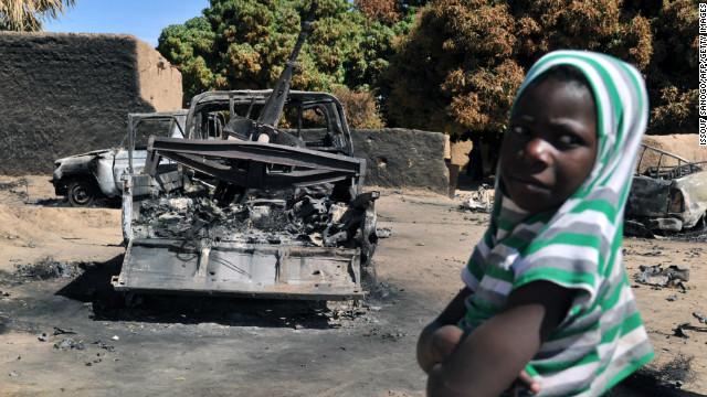 El ejército de Malí retoma una ciudad mientras la crisis humanitaria crece