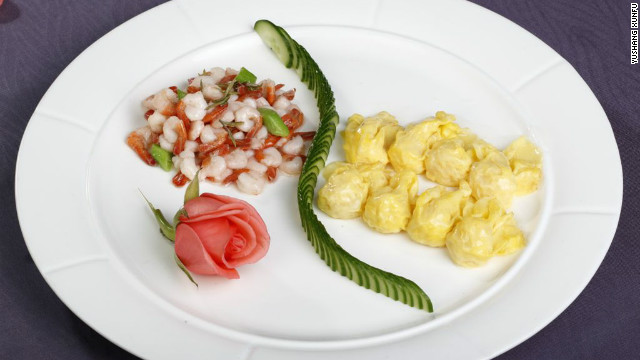 Fried &quot;phoenix-tailed&quot; shrimps and steamed egg dumplings were apparently two of the favorite dishes of Bai Chongxi, an influential, Hui-Muslim General of KMT.