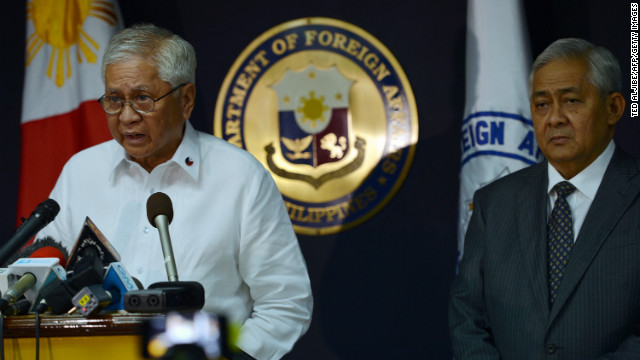 Philippine Foreign secretary Albert del Rosario (L) and solicitor general Francis Jardeleza are pictured in Manila on Tuesday.