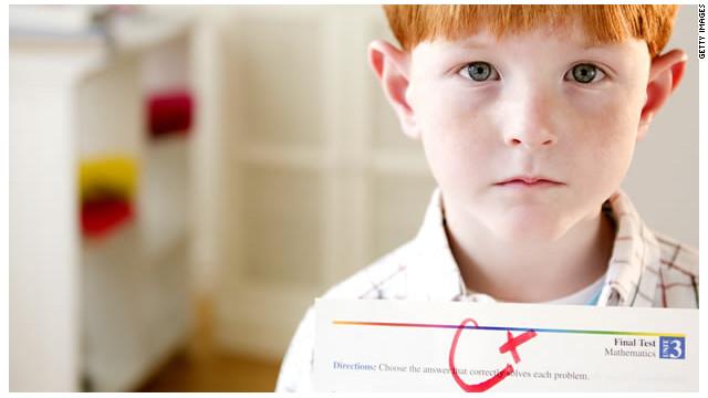 La tinta roja causa ansiedad a los estudiantes, según estudio