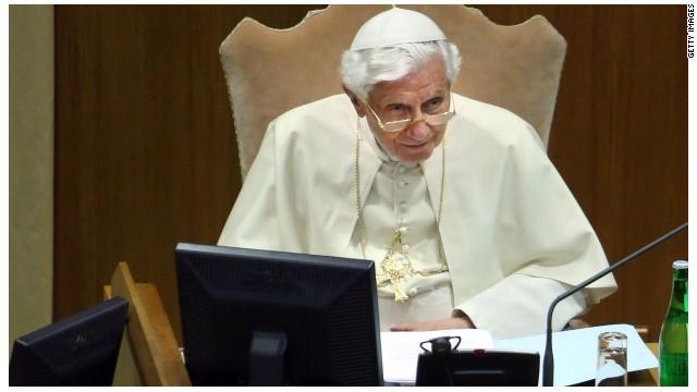 "El Vaticano le da ""no me gusta"" a Facebook"