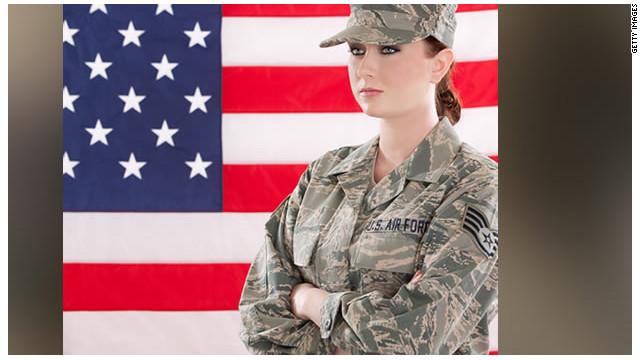 Los embarazos no deseados, un problema en el Ejército de EE.UU.