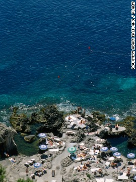 "Look no further for proof of ""la dolce vida"" than this tiny island."