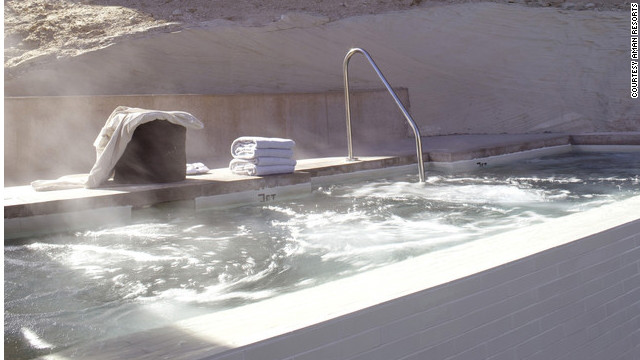 Amangiri has reportedly welcomed starry guests, including the Jolie-Pitts.