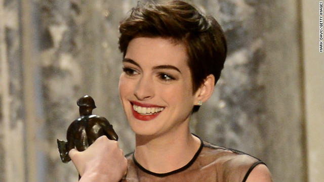 Anne Hathaway nabs first SAG win