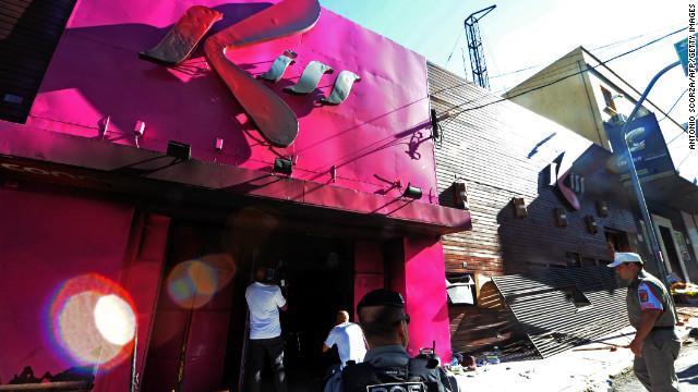 Un dueño de la discoteca incendiada en Brasil intenta quitarse la vida