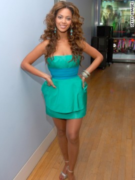 "2006: Beyonce admits to using the Master Cleanse, a concoction of hot water, lemon juice, maple syrup, and cayenne pepper, to shed 20 pounds for ""Dreamgirls."""