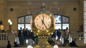 The terminal\'s iconic opal-faced clock.