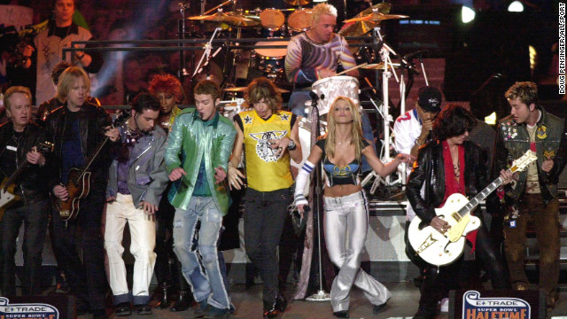 "Britney Spears, Aerosmith, 'N Sync, Mary J. Blige and Nelly put on an <a href='https://www.youtube.com/watch?v=oeLnwbJzLO0' target='_blank'>entertaining show</a> in 2001, performing hits like ""Bye Bye Bye"" and ""I Don't Want to Miss a Thing,"" but it was the big finale where the entire group sang ""Walk This Way"" that puts this performance into the halftime hall of fame."