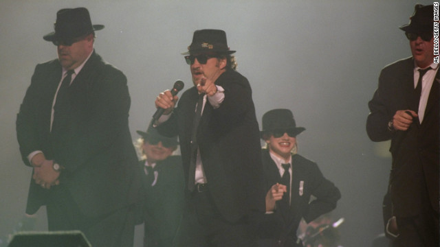In 1997, Dan Aykroyd, John Goodman and Jim Belushi performed as The Blues Brothers. The men looked like they were having a blast, but it was still one of the weakest halftime shows to date.
