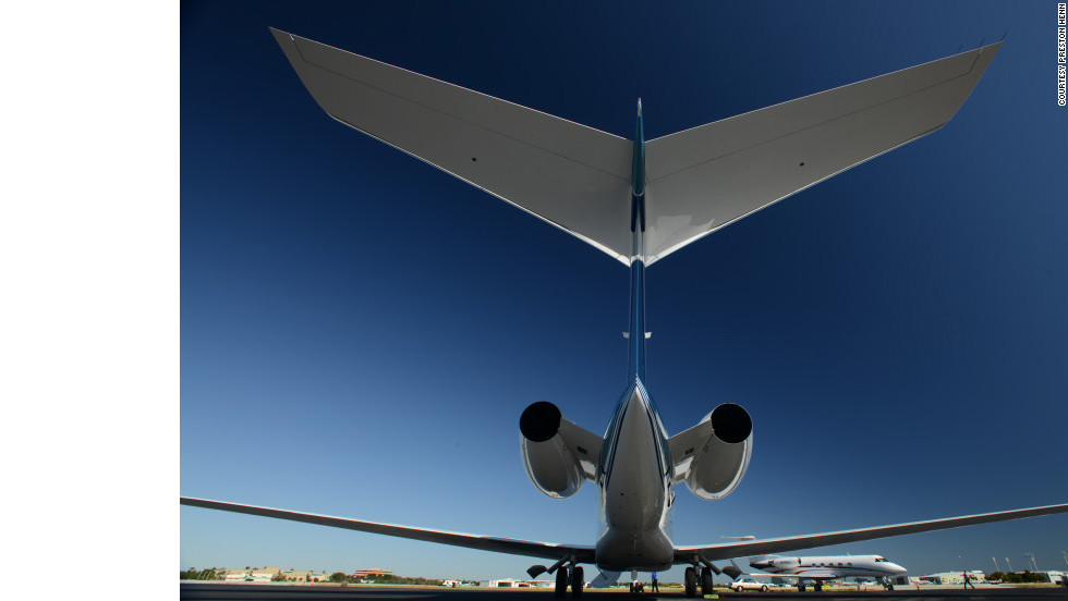 The Gulfstream G650's nearly supersonic speed, ultralong range and fancy amenities have got aviation enthusiasts stoked. Celebrities are taking notice, too. Click through this gallery to see planes linked to celebrities.