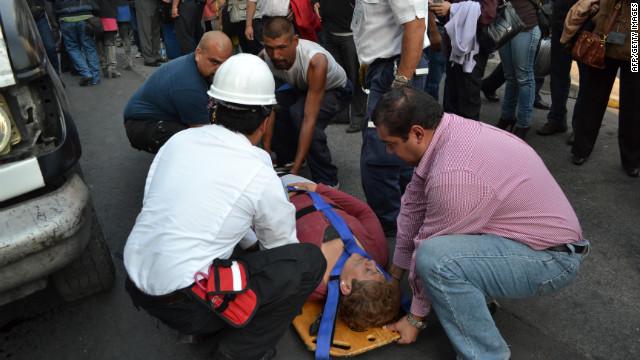 Lista de víctimas tras explosión en torre de Pemex