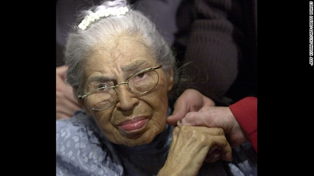 Parks, then 88, attends a 2001 ceremony at the Henry Ford Museum in Dearborn, Michigan, commemorating the 46th anniversary of her 1955 arrest.