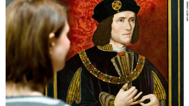 Restos hallados debajo de un parqueadero en Inglaterra son del rey Ricardo III