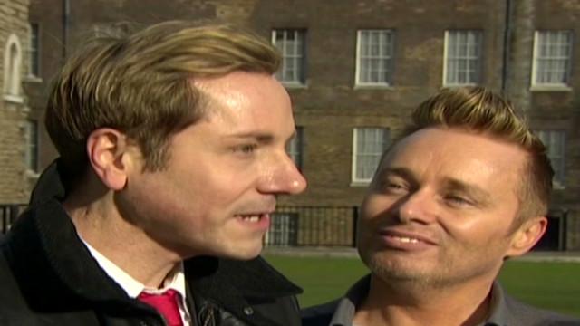 Legisladores británicos aprueban matrimonios gay en primera votación