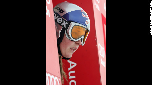 Vonn gets ready to start her FIS Ski World Cup women's downhill training in Aspen, Colorado, on December 5, 2007.