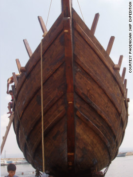 The boat, based on an excavated shipwreck, already circumnavigated Africa two years ago. The journey took two years and covered 32,000 kilometers.