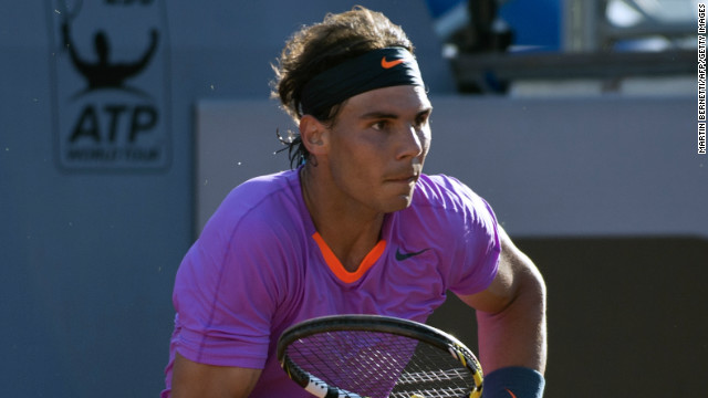 Rafael Nadal returns in Chile