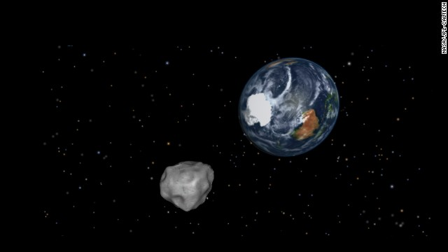 El asteroide 2012 DA14, uno de los muchos objetos que rondan la Tierra
