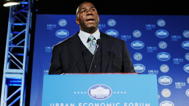 Magic Johnson visits White House