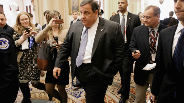 In Christie's defense: Top Democrat weighs in