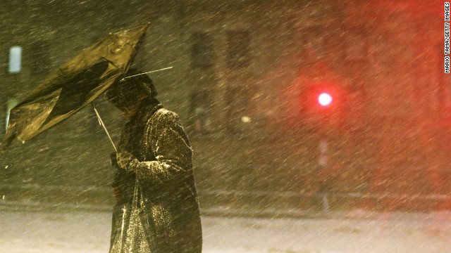 1 dead, 600,000 without power from ongoing blizzard