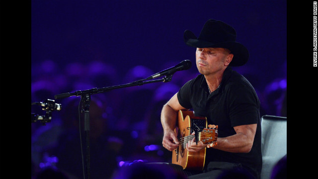 Singer Kenny Chesney performs &quot;One Step Up.&quot;