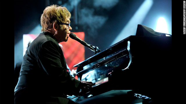 Elton John performs &quot;Streets of Philadelphia.&quot;