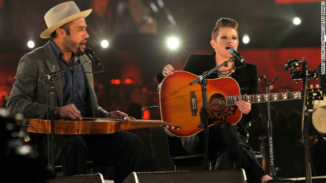 Ben Harper and Natalie Maines perform &quot;Atlantic City&quot; with Charles Musselwhite (not pictured).