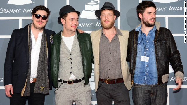Mumford & Sons plans to play Glastonbury as 'four brothers'