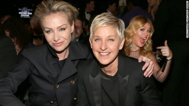 The Kelly Clarkson photobomb that won the Grammys