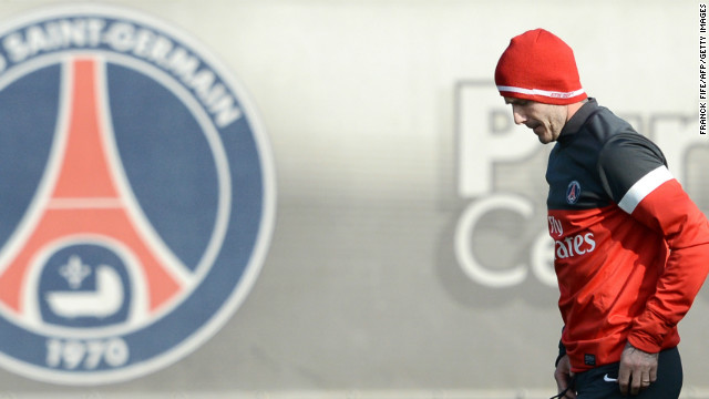 David Beckham took part in his first training session with his new Paris Saint-Germain teammates less than 24 hours after watching them claim a 2-1 win at Valencia in the last-16 round of the Champions League. on Tuesday.