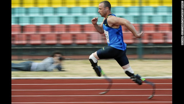 Pistorius competes in a 400-meter race at the International German Championships Athletics for Disabled in Berlin on June 14, 2008.