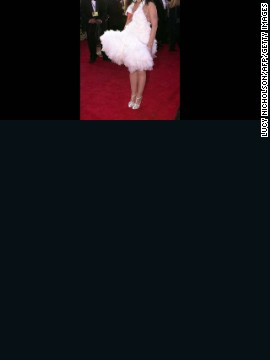The infamous swan dress that Bjork wore in 2001 has been ingrained in pop culture as the absolute worst dress anyone could ever wear on the red carpet. Memorable is an understatement. 