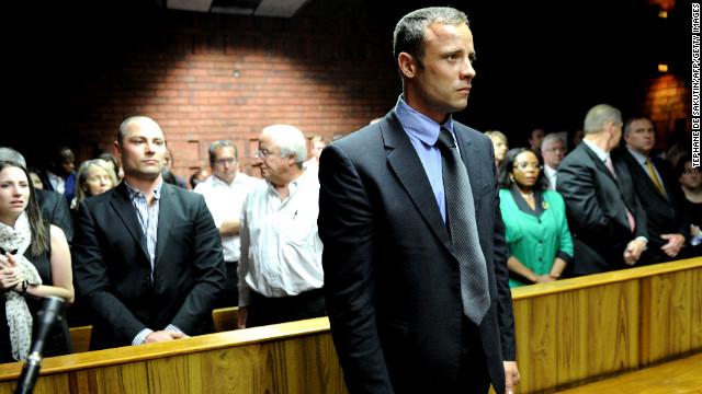 La fiscalía recomienda negarle la fianza a Pistorius por riesgo de que huya