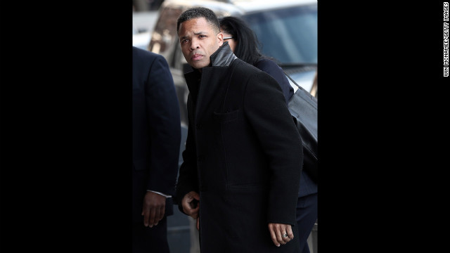Former Rep. Jesse Jackson Jr. enters U.S. District Court Wednesday.