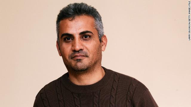 Autoridades de EE.UU. detienen al primer cineasta palestino nominado a un Oscar